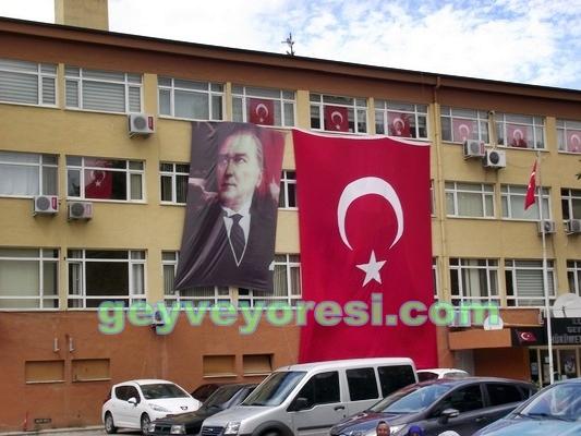 30 Ağustos Zafer Bayramı Sebebiyle Geyve Bayraklarla Süslendi